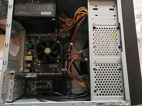 开箱龙芯3A4000开发者电脑(宁美国度卓越CR700L4)